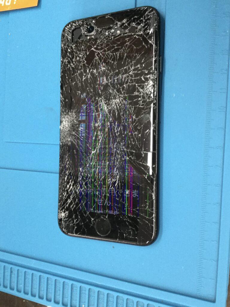 iPhone7重度ガラス割れ液晶修理画像